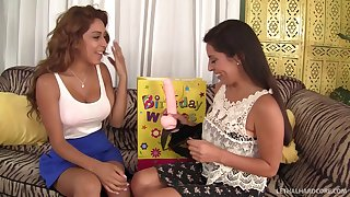 Girl on girl action betwixt handsome Sarai and sweet Sofia Rivera