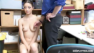 Once she was caught shoplifting, Scarlett Make grow could fuck her way out be worthwhile for the put on
