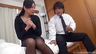 Fucking on the bed between Japanese slut Miwako Yamamoto and her darling