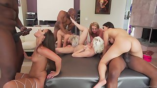 Interracial Orgy Three Girls Charge from BBCs
